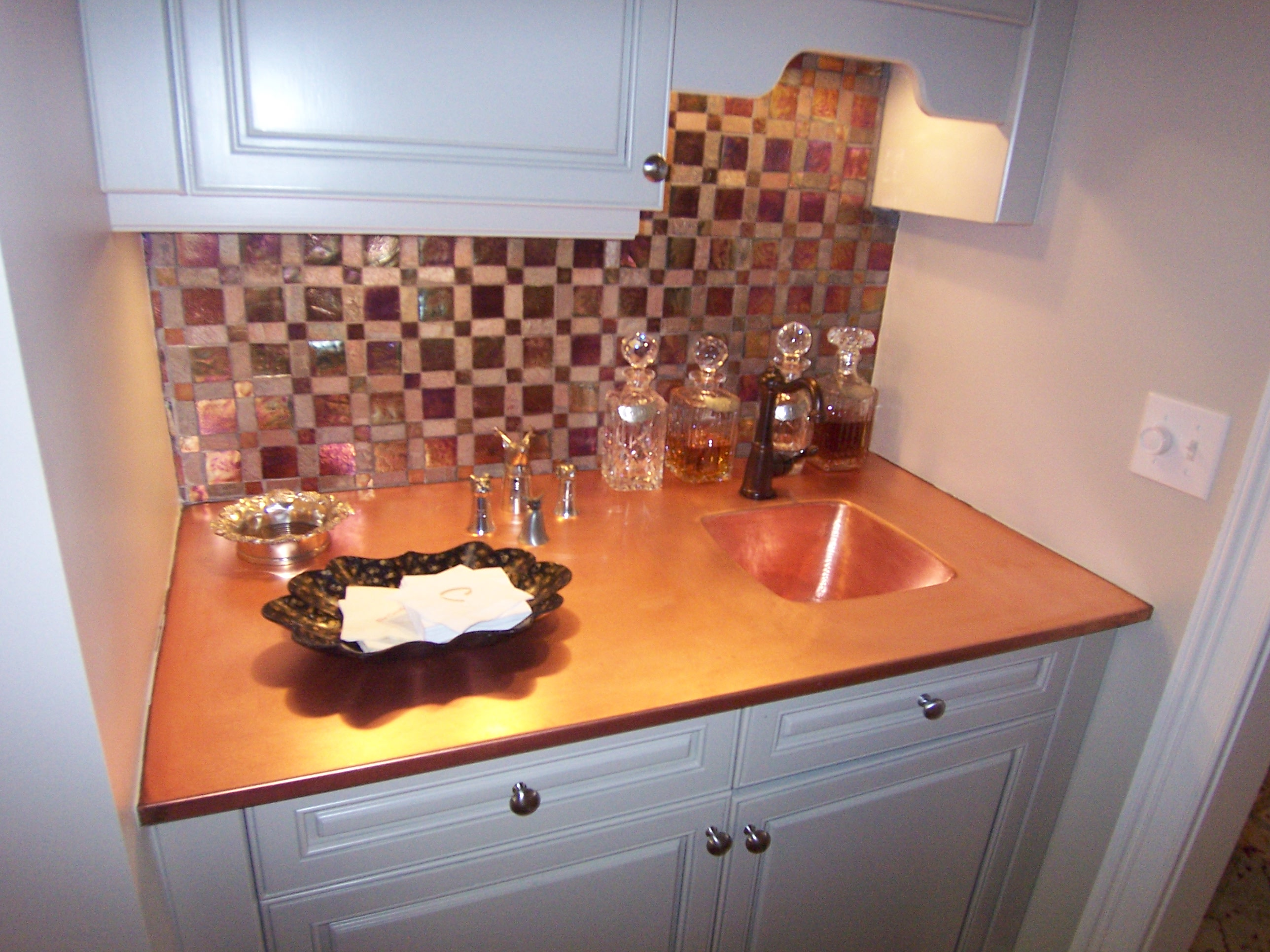 Brookhaven-Copper-Bar-Glass-Tile-Paces-Construction-Atlanta